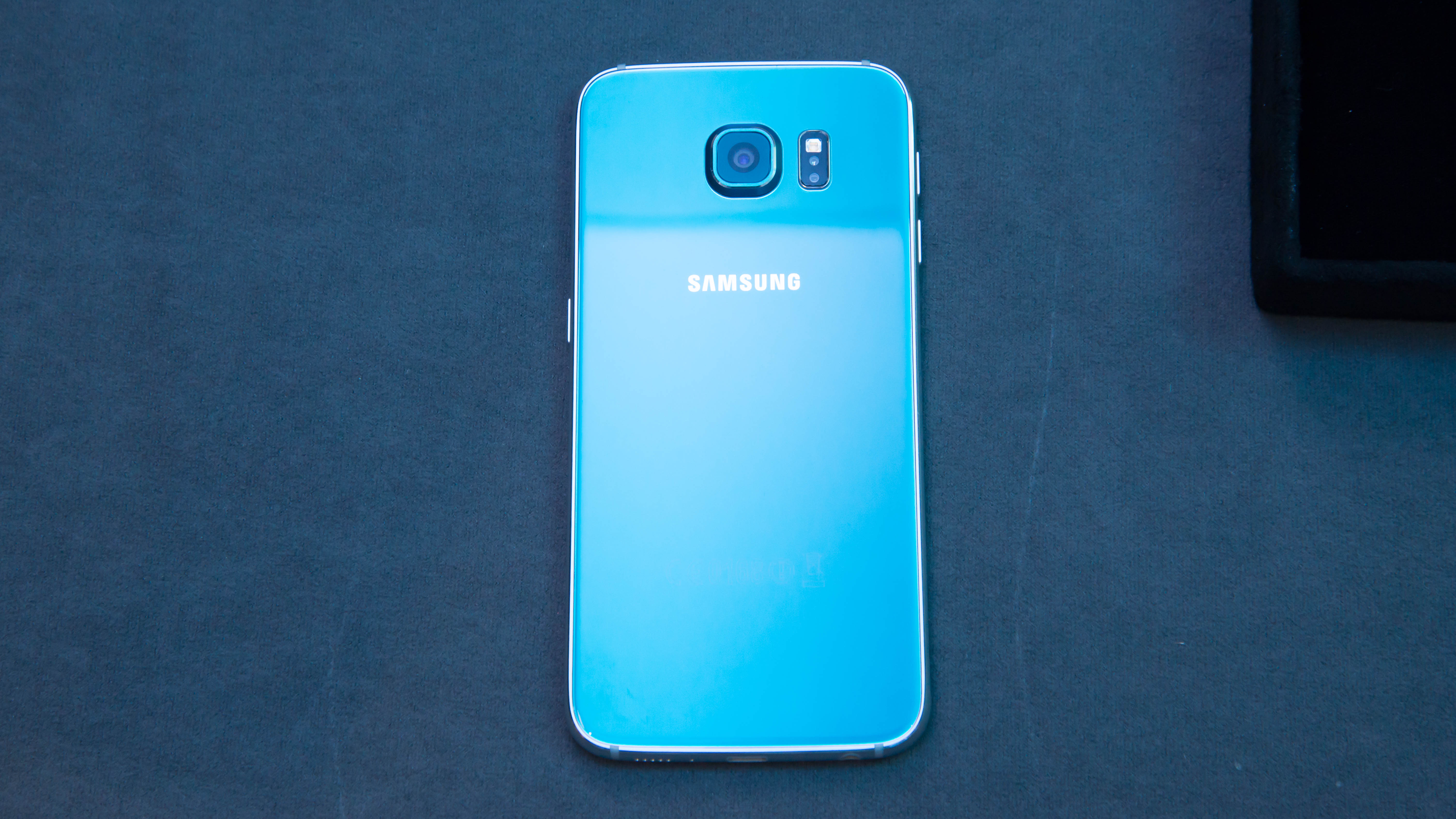samsung galaxy s6 blue topaz. samsung galaxy s6 hands on rear blue topaz e