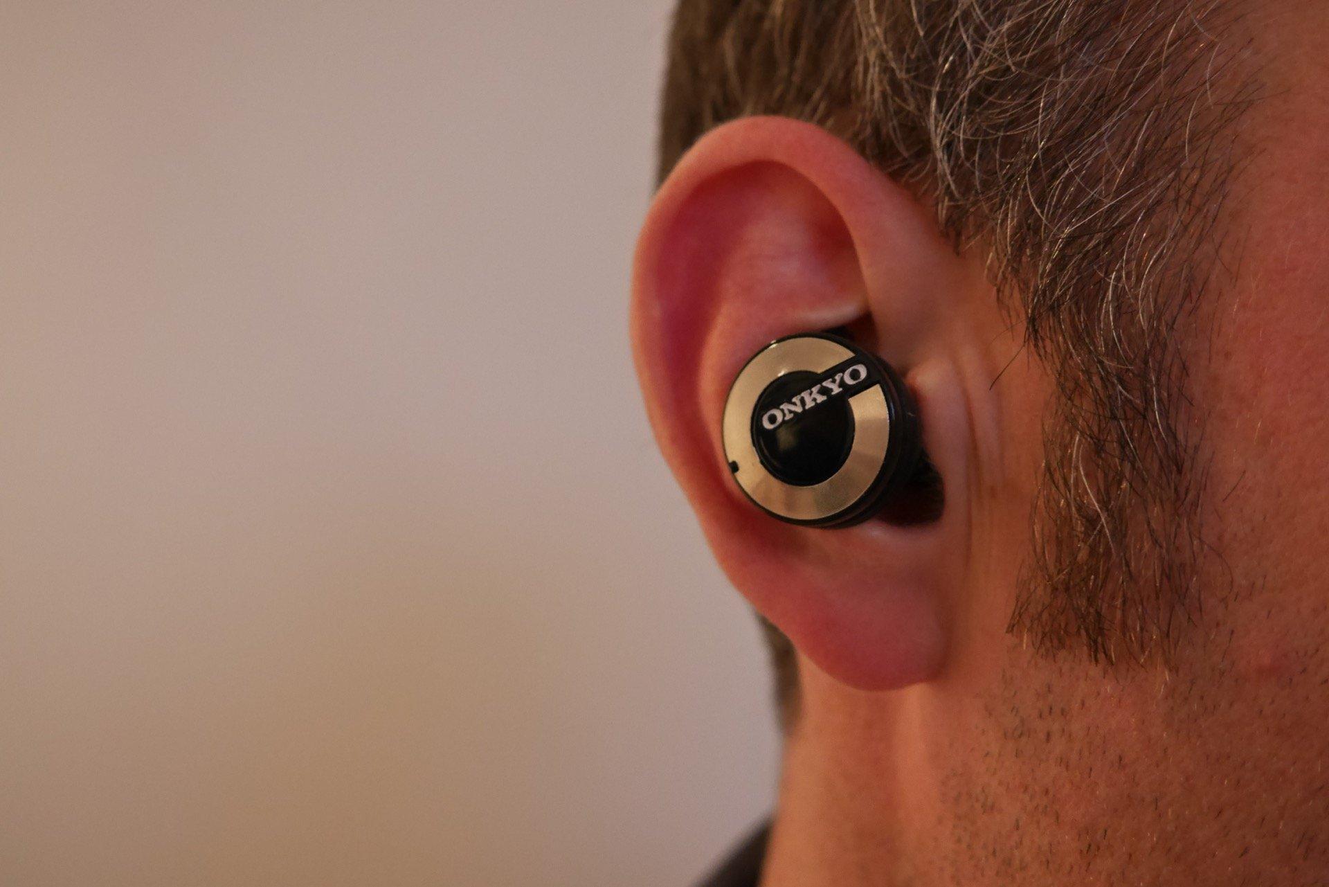 onkyo earphones. onkyo w800bt wireless in-ear headphones review - hands on earphones