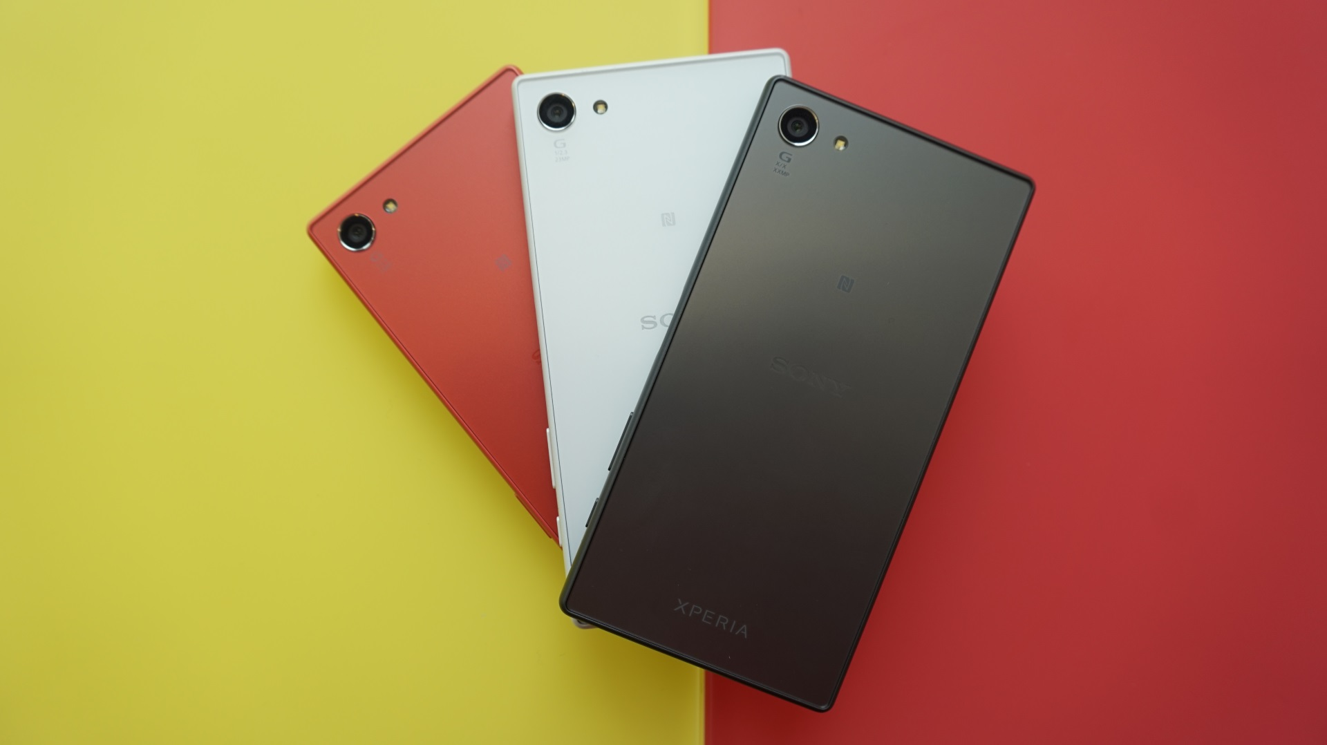 sony z5 compact. sony xperia z5 compact hands on colours