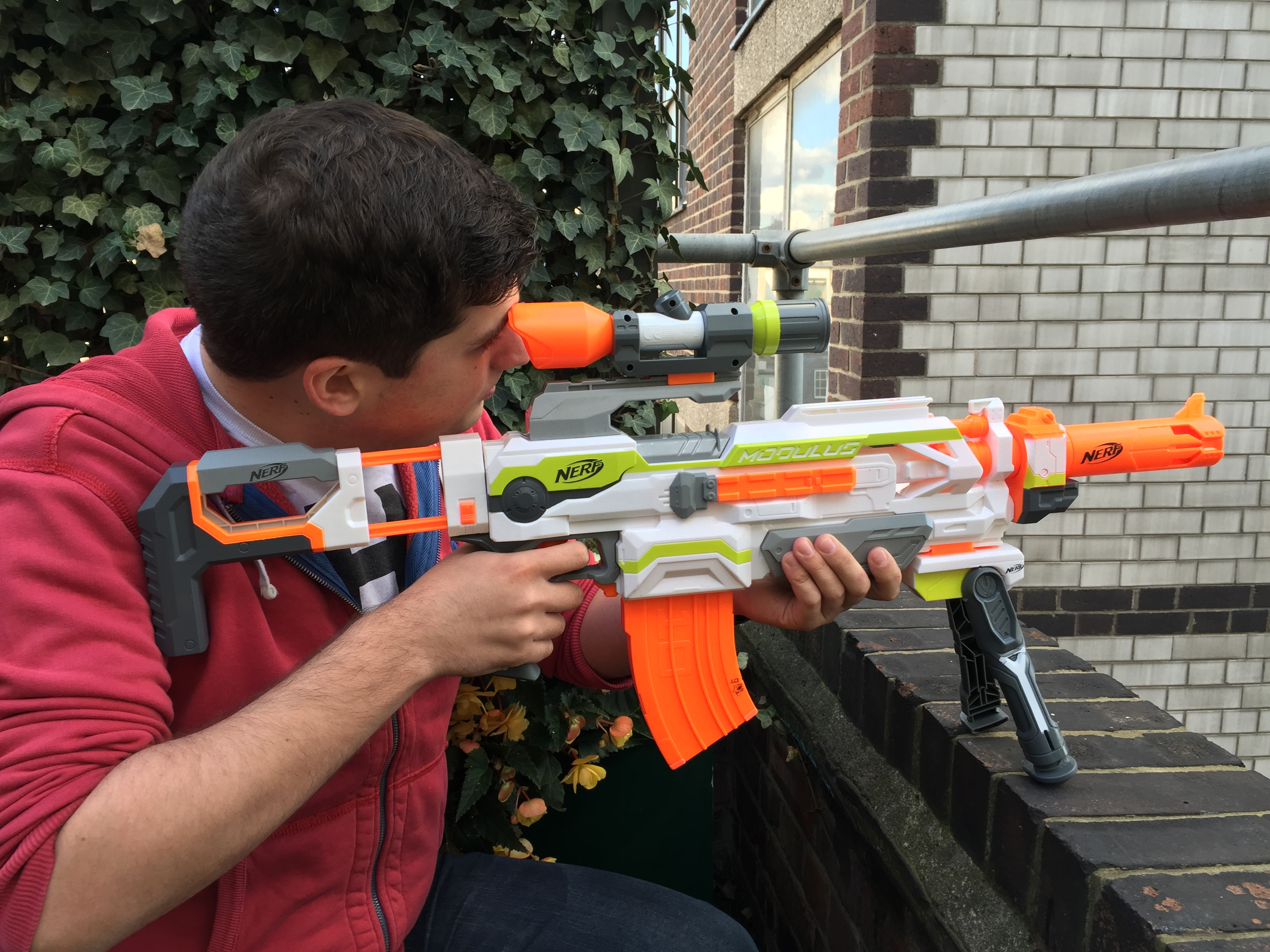 I was one of the lucky few to pickup a newly released homemade Nerf dart  blaster kit from CaptainSlug. The kit is comprised of the hardware required  to ...