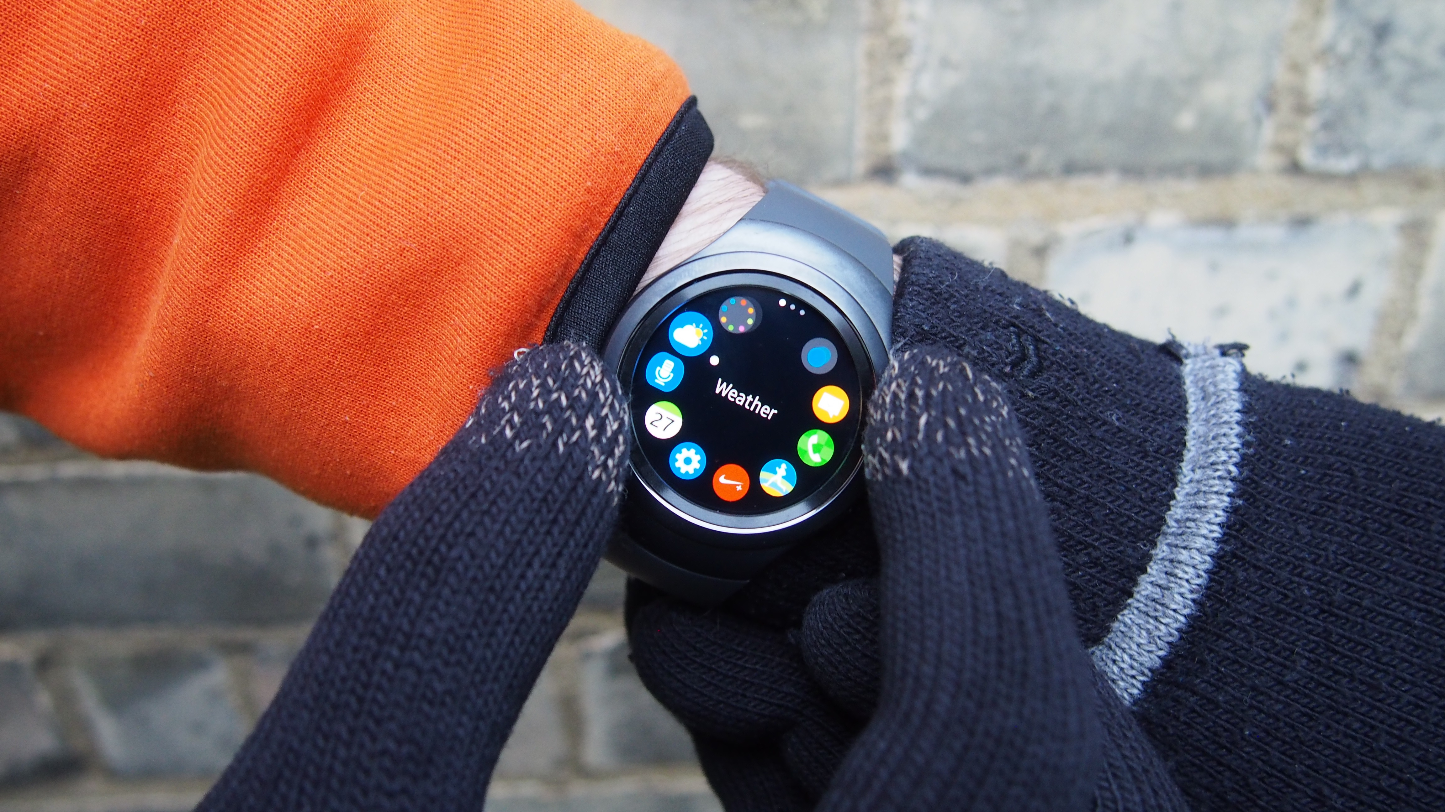 A smartwatch for all seasons it 39 s the samsung gear s2 expert reviews for Winter watches