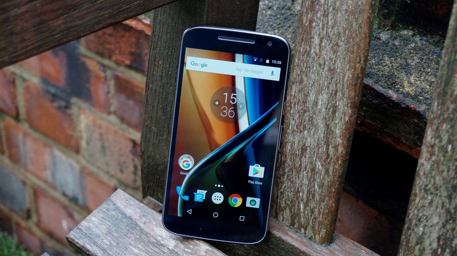 how to play video in lock screen in moto g4