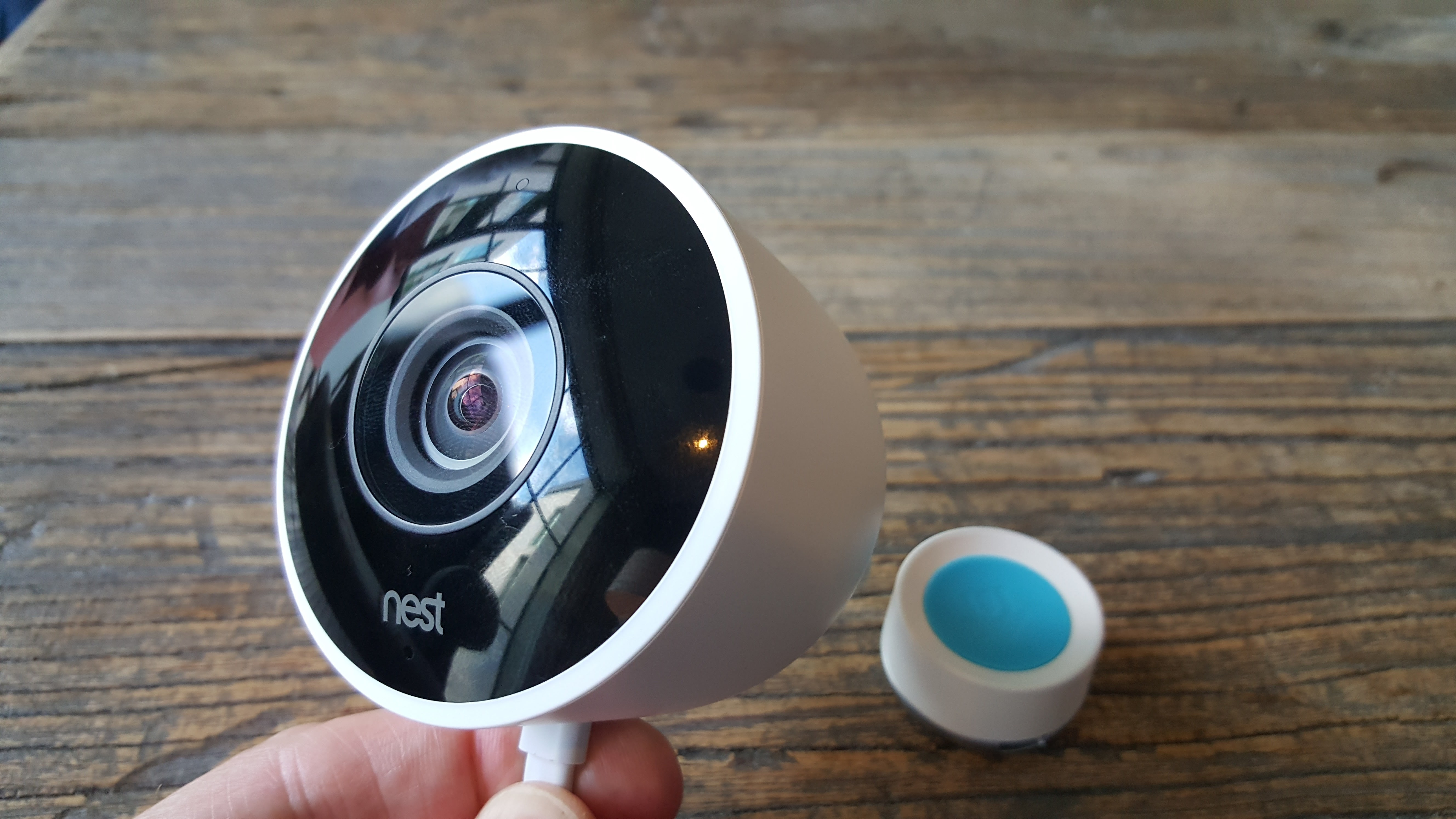 nest cam outdoor review hands on chat with delivery. Black Bedroom Furniture Sets. Home Design Ideas