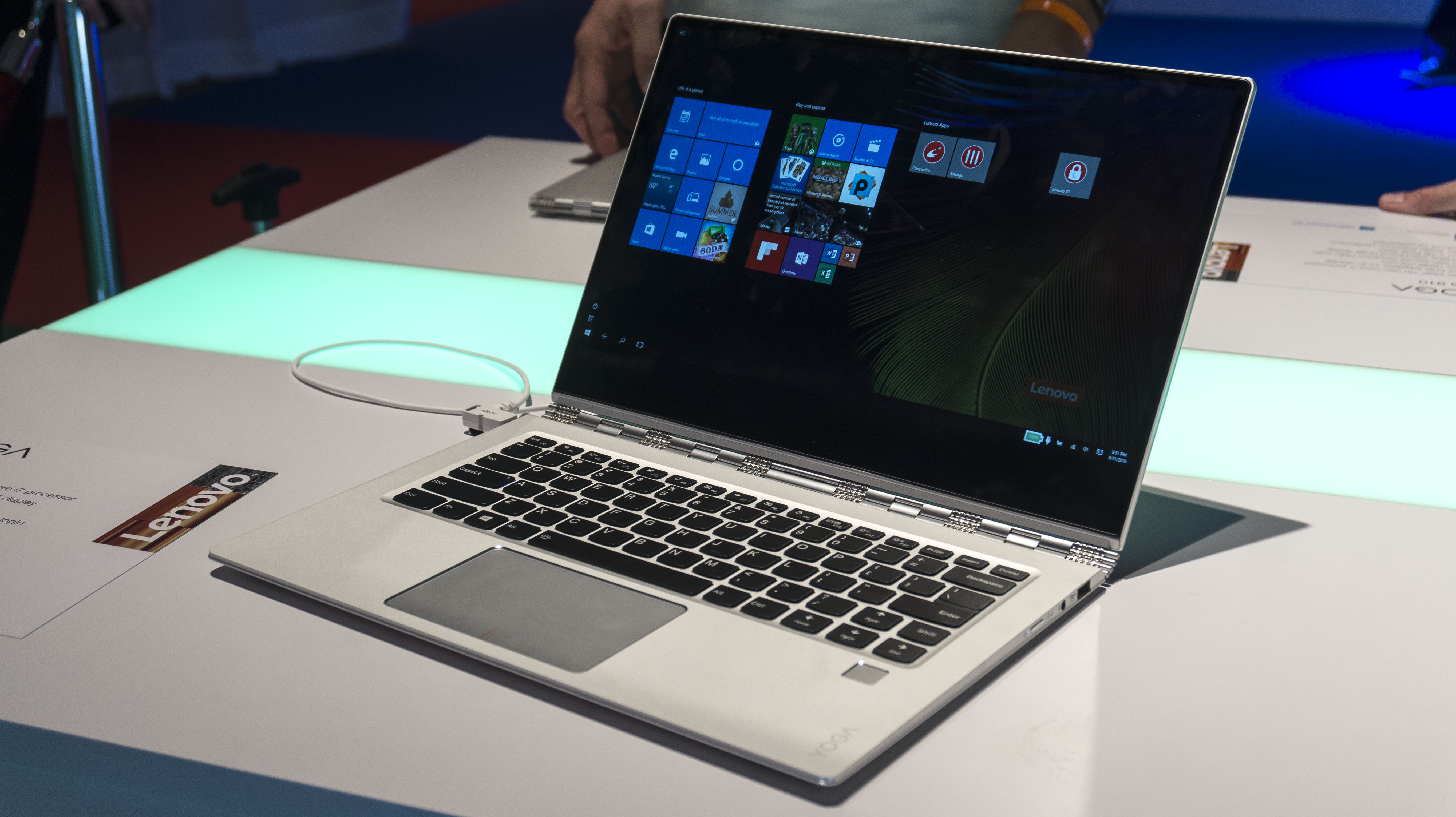 Lenovo Yoga 910 Review Hands On With The Super Slim