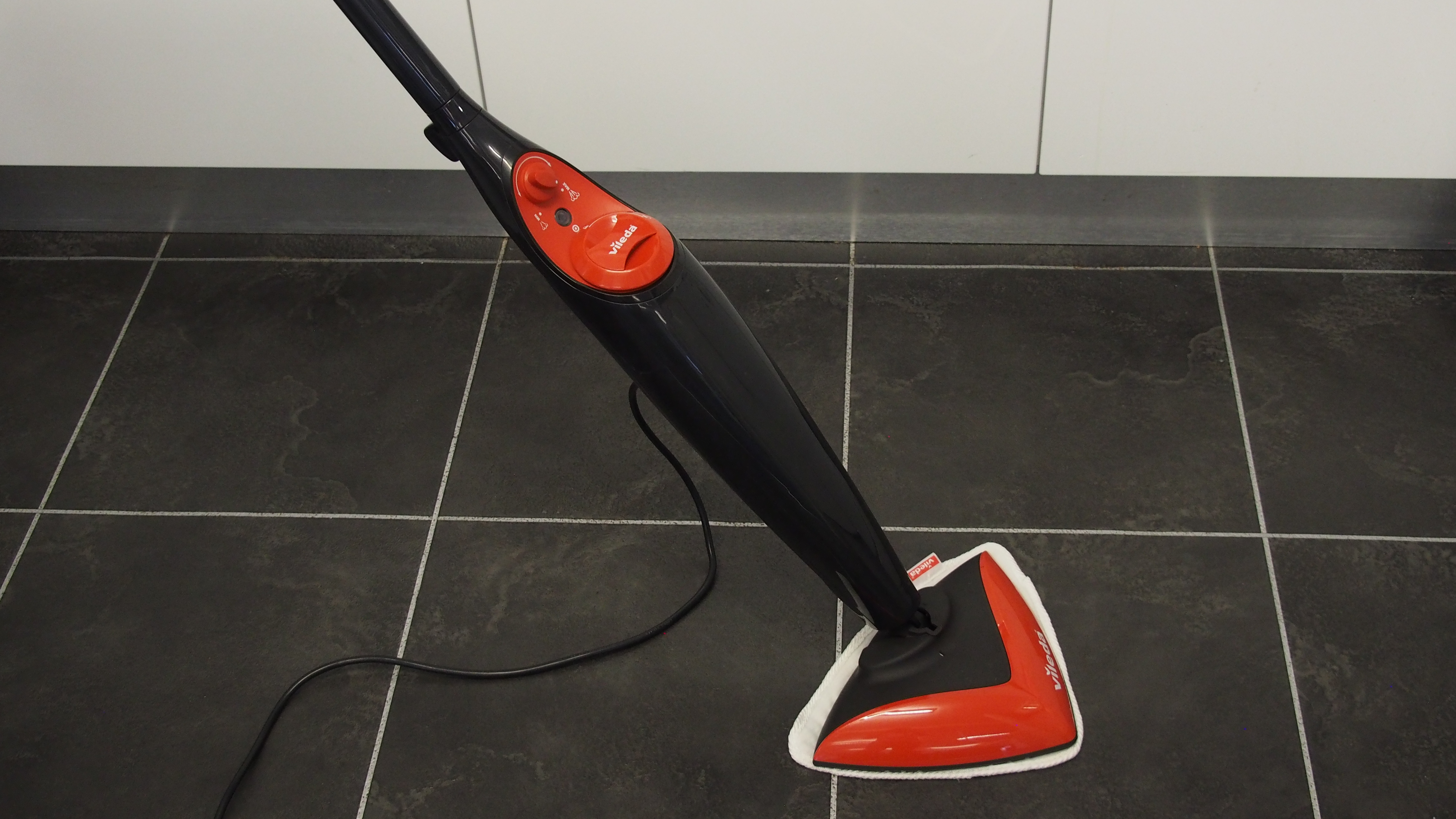 Best vacuum cleaner for tiled floors uk 5 best buy vacuum cleaners best mop for tile floors 2017 reviews guide mr cleaning dailygadgetfo Image collections