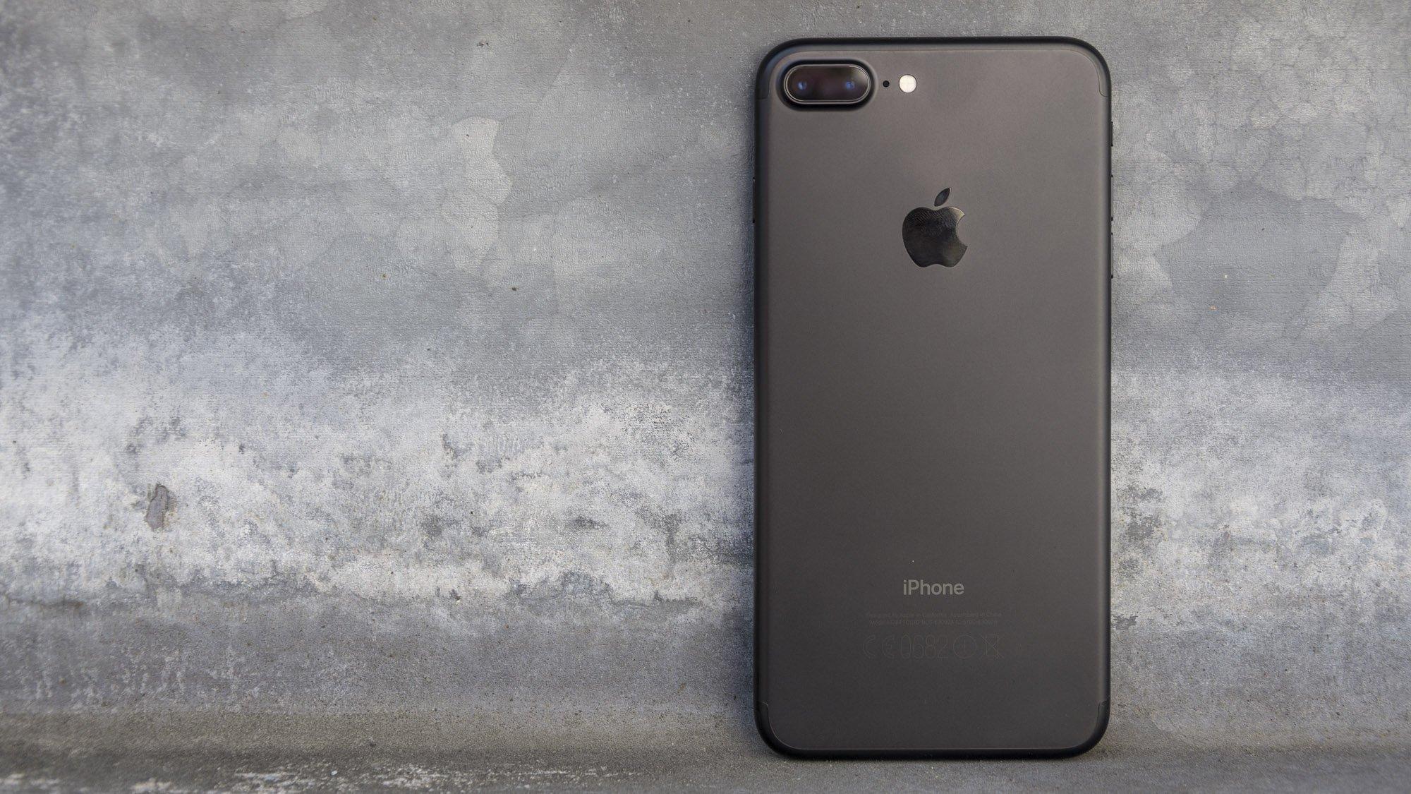 iphone 7 plus black. apple iphone 7 review iphone plus black