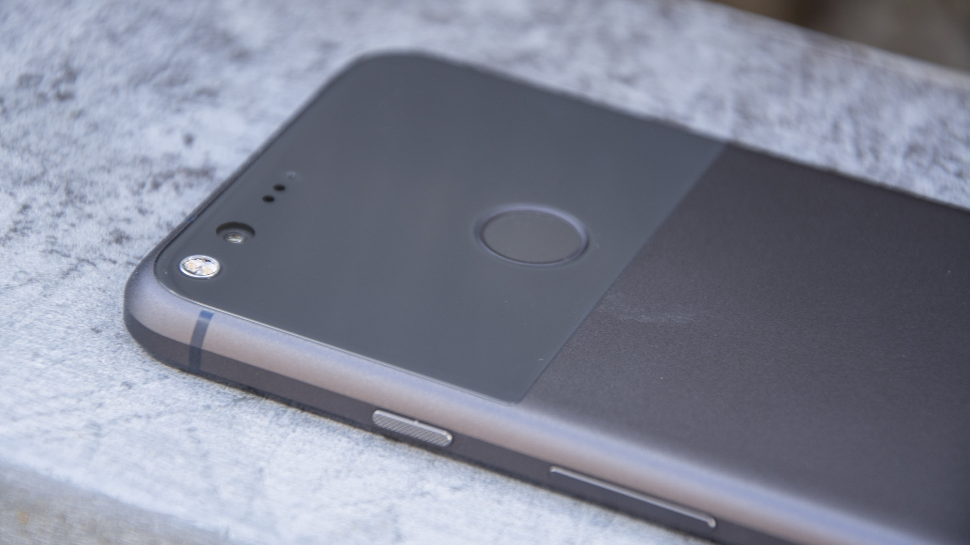 Google Pixel Phone and Pixel XL review: Is Google killing ...
