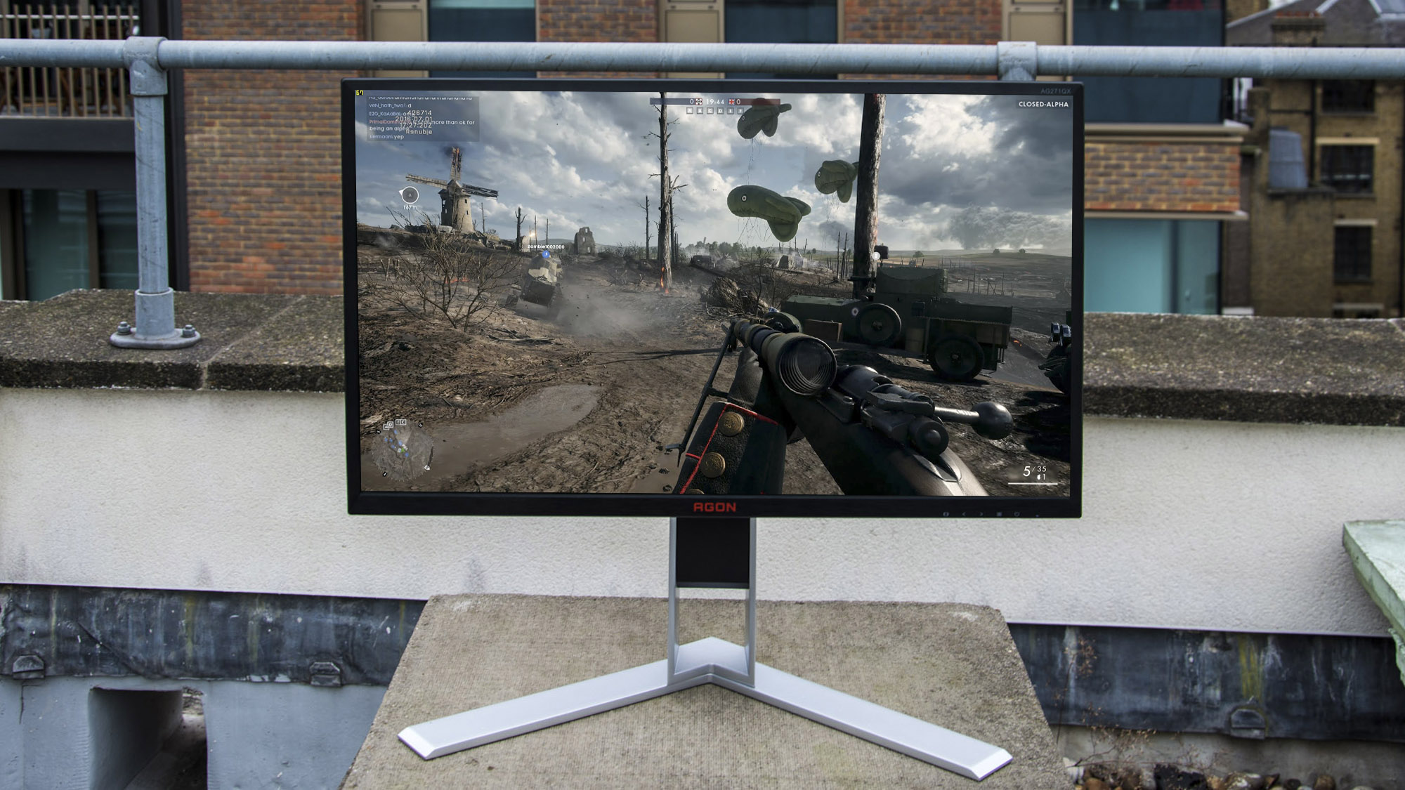 how to choose center monitor for main gaming display