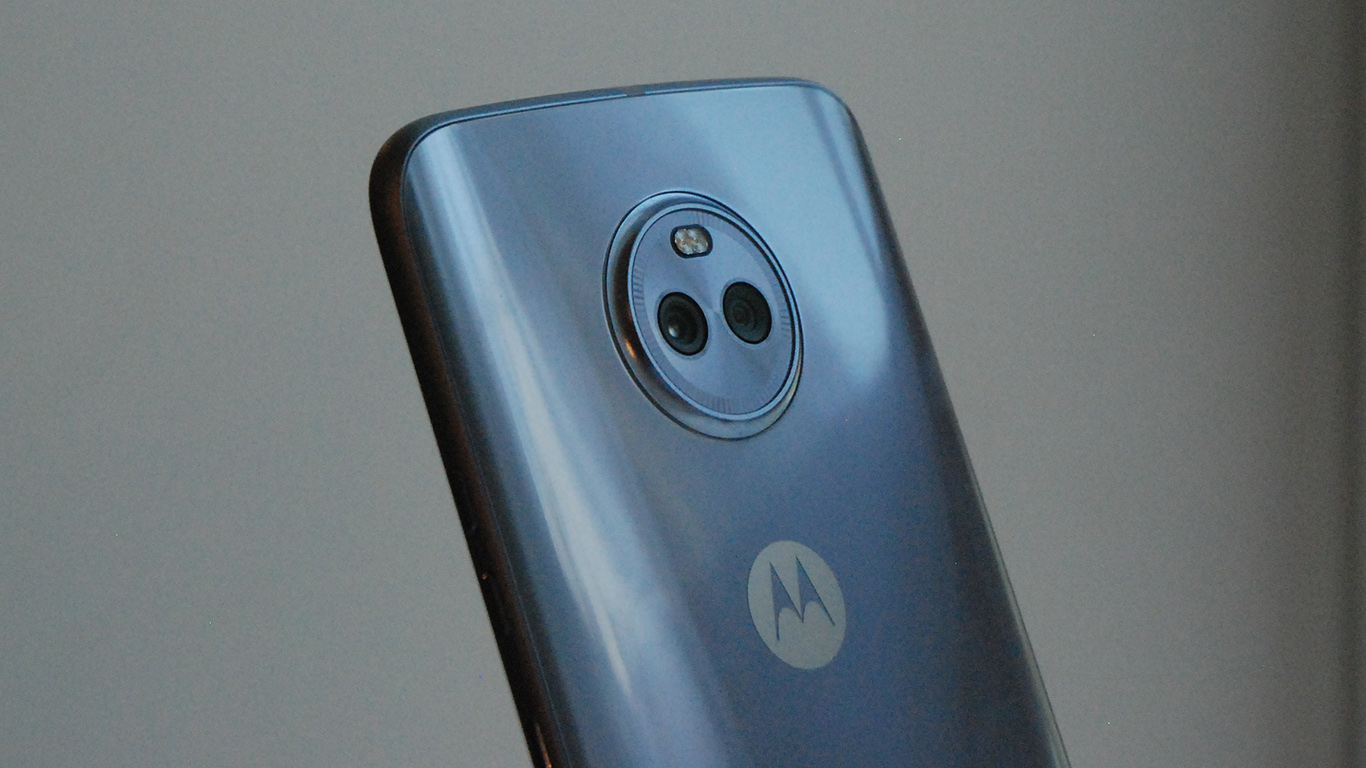 motorola 4th generation. the metal and plastic casing has been banished, with motorola rolling in a foil-backed \u201c3d glass\u201d rear, which an aesthetically pleasing shimmery effect. 4th generation t