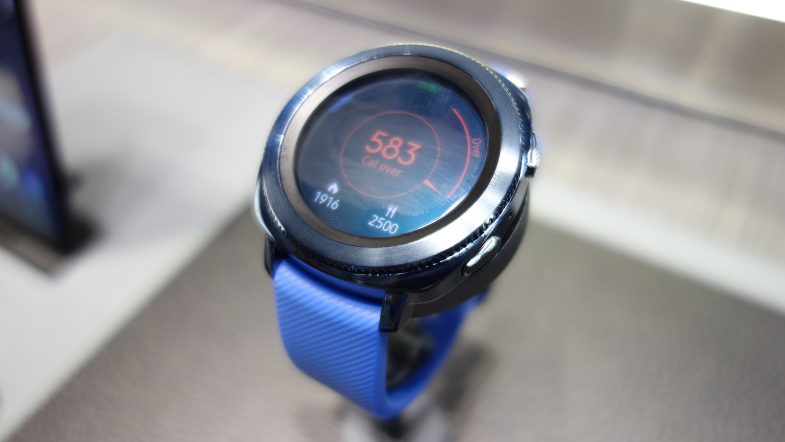 Samsung Gear Sport hands-on review: UK price and release ...