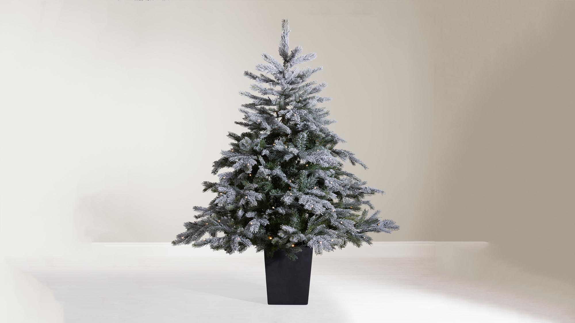 Best Artificial Christmas Trees 2018: Have A Hassle Free Xmas With Our Pick  Of The Best Artificial Trees | Expert Reviews