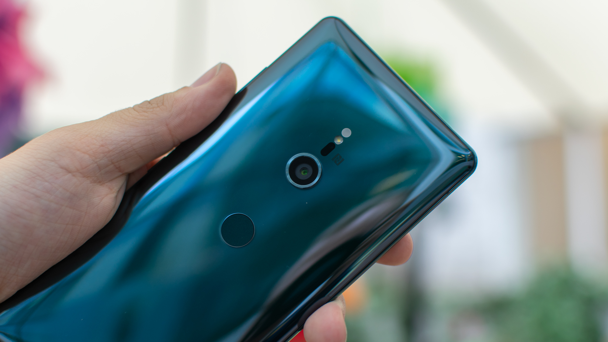 Sony unveils Xperia XZ3 with a curved OLED display, Android 9 Pie
