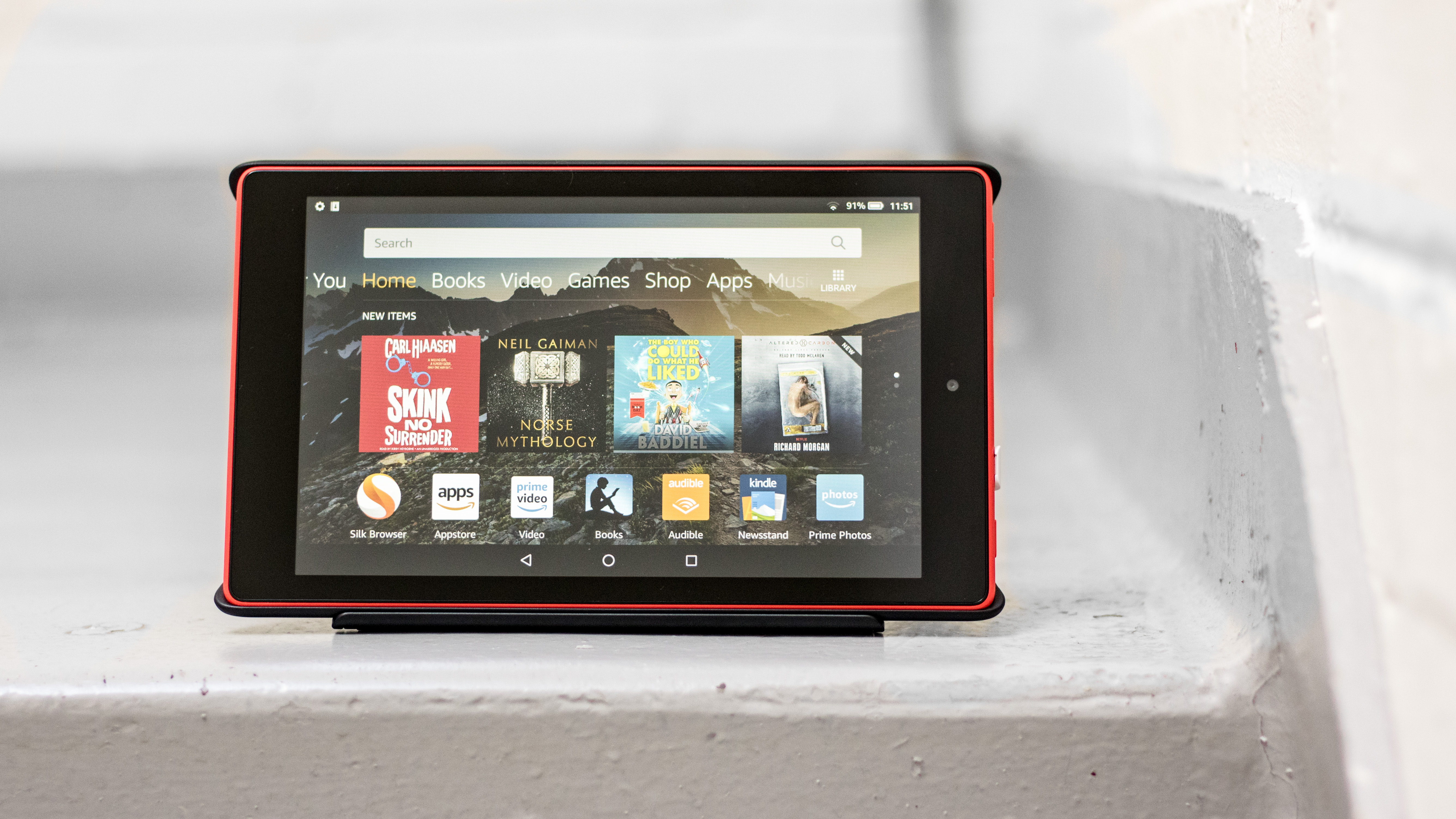amazon fire hd 8 2018 review budget tablet gets even. Black Bedroom Furniture Sets. Home Design Ideas