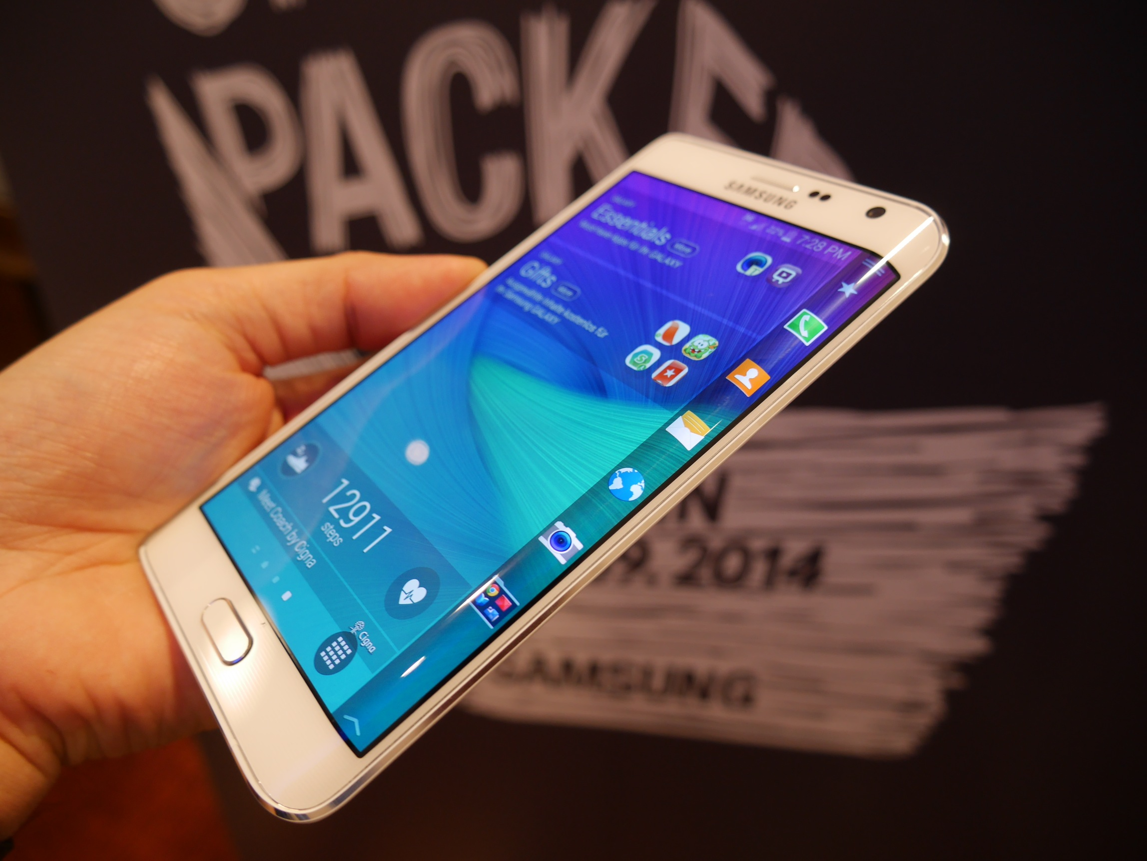 samsung galaxy note edge not coming to uk at launch expert reviews. Black Bedroom Furniture Sets. Home Design Ideas