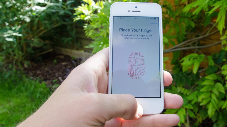 iPhone 5S TouchID in use