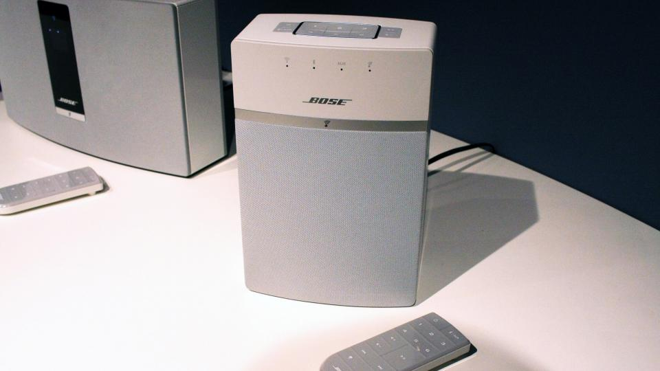 bose soundtouch 10 review hands on expert reviews. Black Bedroom Furniture Sets. Home Design Ideas