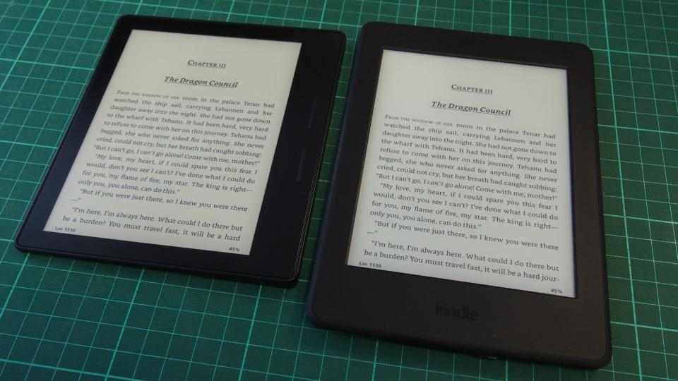 Kindle Oasis and paperwhite angle