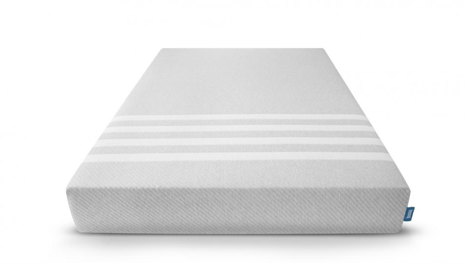 Leesa: The Best Foam Mattress For Front Sleepers And Restless Sleepers