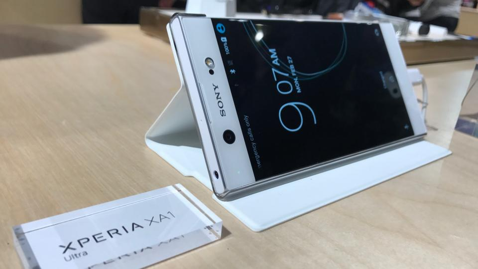 Xperia C White Hands On