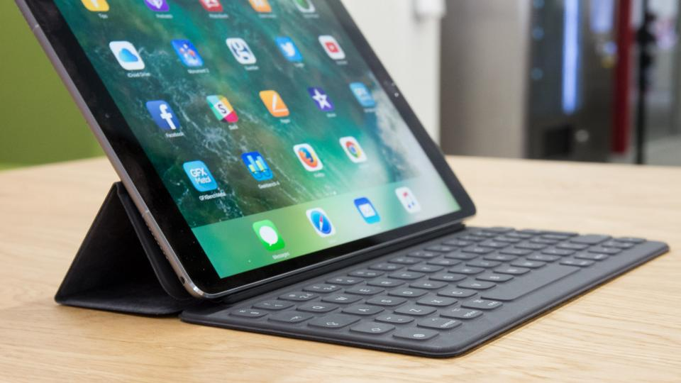 BrydgeAir review: This keyboard case makes your iPad feel like a ...