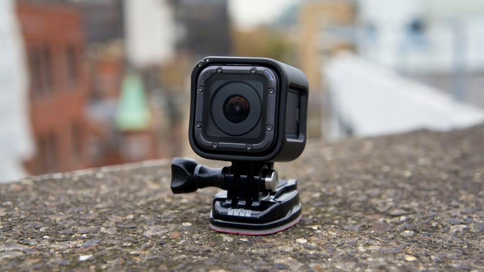Gopro Session 5 Battery Life >> Best action cameras 2018 UK: The best running and cycling cameras for 4K recording | Expert Reviews