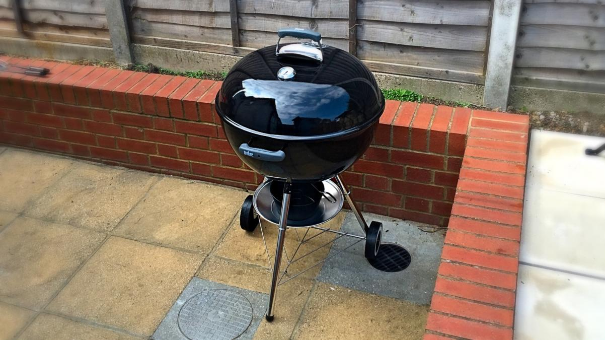 Weber Holzkohlegrill Compact Kettle ø 47 Cm : Weber original kettle review cm the iconic charcoal bbq