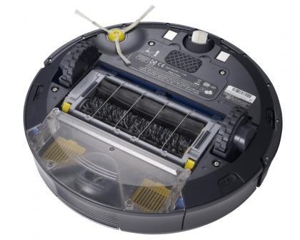 iRobot Roomba 780 underneath