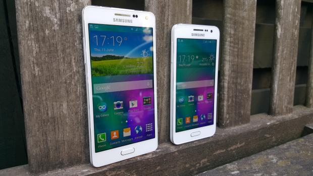 Samsung Galaxy A3 & A5 size comparison