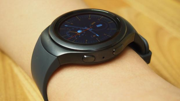 Samsung Galaxy Gear S2 side