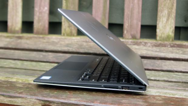 Dell XPS 13 side