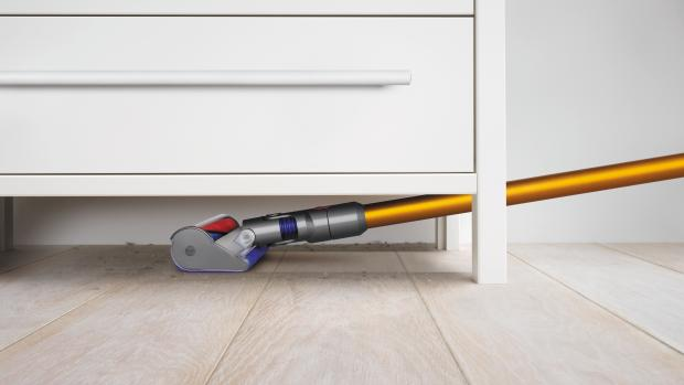 dyson doubles the battery life of its cordless vacuums with the v8 absolute expert reviews. Black Bedroom Furniture Sets. Home Design Ideas