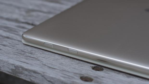 Huawei Matebook side