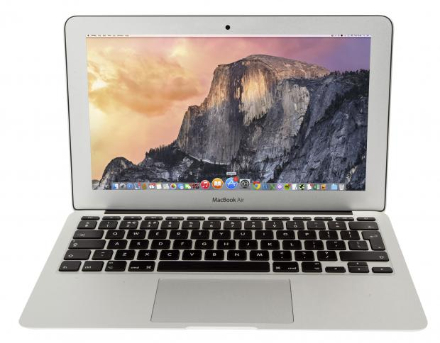 MacBook Air 2015 front
