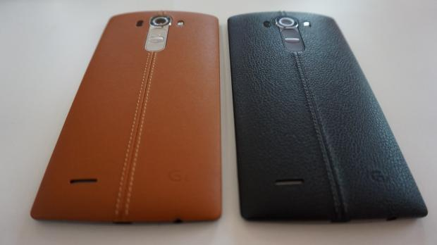 LG G4 brown and black leather comparison