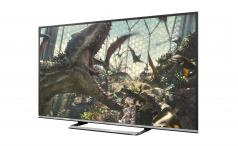 Panasonic Viera TX55CS520B with Jurassic World