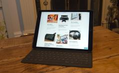Apple iPad Pro with Smart Keyboard cover