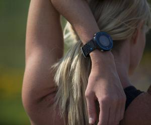 Garmin Forerunner 620 being worn
