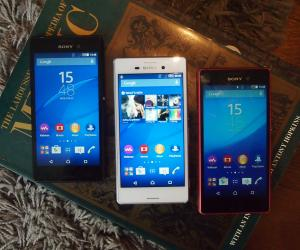 Sony Xperia M4 Aqua triple colours